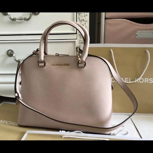 15b63977b083 Michael Kors Bags | New 298 Handbag Purse Mk Cindy Bag | Poshmark
